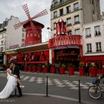 Wedding photography in front of the Moulin Rouge